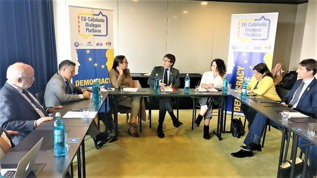 Carles Puigdemont se reúne con eurodiputados