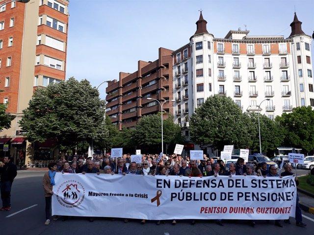 Manifestación por las pensiones en Pamplona