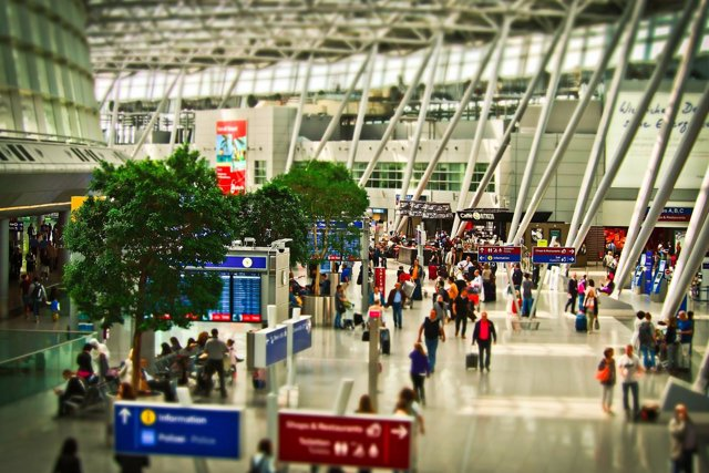 Aeropuerto y pasajeros, recurso