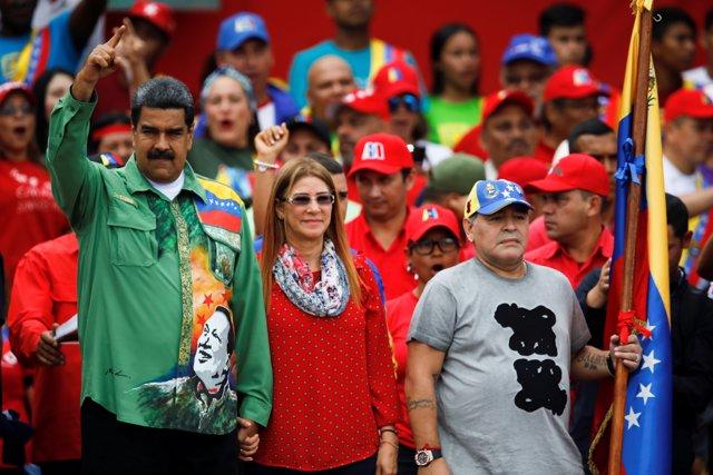 Nicolás Maduro recibe el apoyo de Diego Armando Maradona