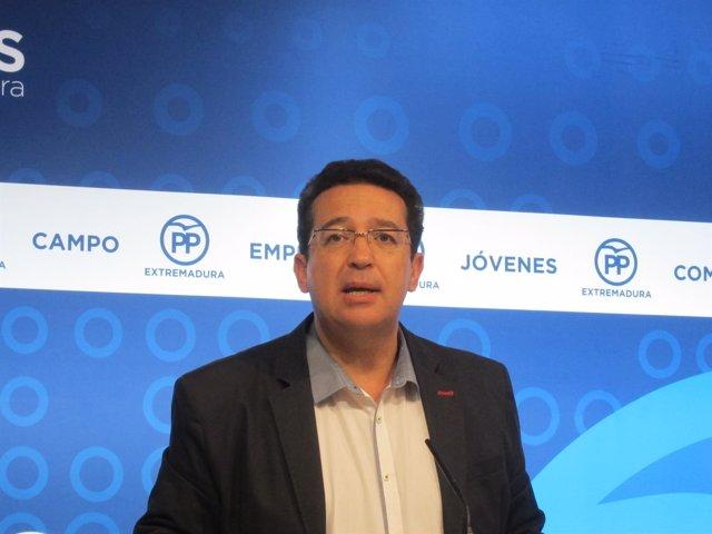 El secretario general del PP extremeño, Fernando Manzano