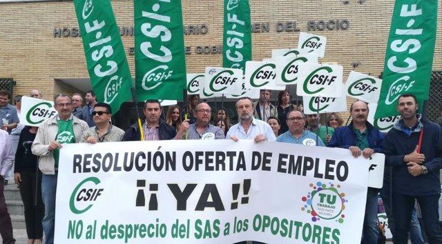 """Delegados de CSIF-A se movilizan por la """"tardanza"""" en resolver la OPE al SAS"""