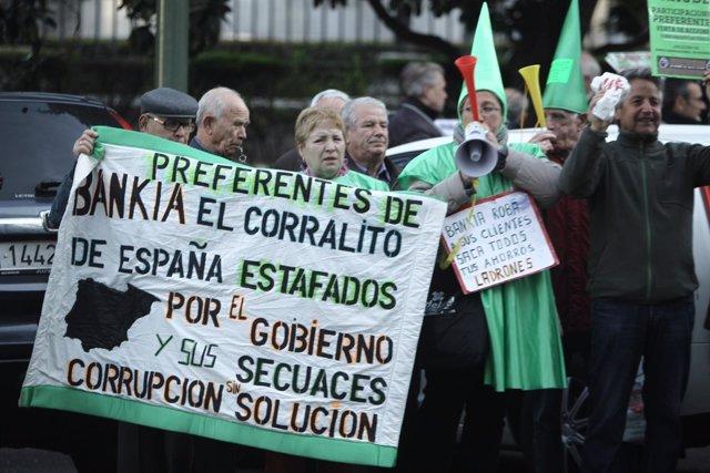 Protesta de afectados por preferentes de Bankia