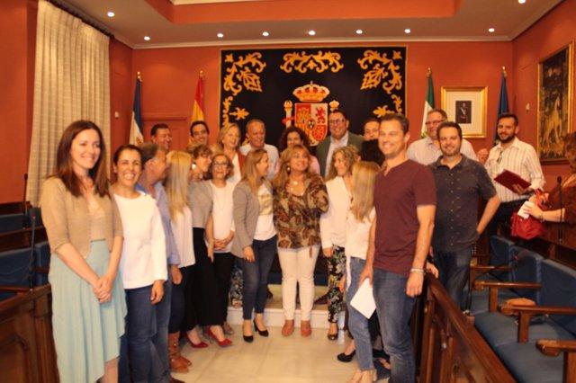 La alcaldesa de alcalá de Guadaíra en una reunión con colectivos