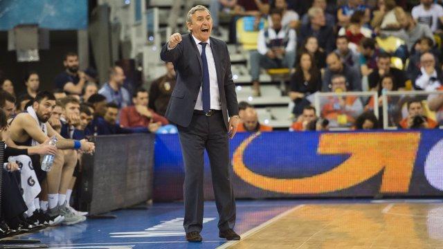 El técnico del FC Barcelona Lassa, Svetislav Pesic