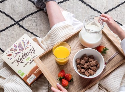 Una experta señala que las etiquetas 'saludables' de algunos alimentos hacen que los consumamos hasta un 30% más