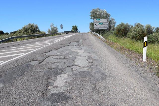 Carretera de circunvalación de Hinojos (Huelva).