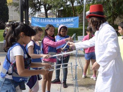 Voluntarios de La Caixa en Mallorca celebran una jornada lúdica y festiva con 60 niños en situación de vulnerabilidad