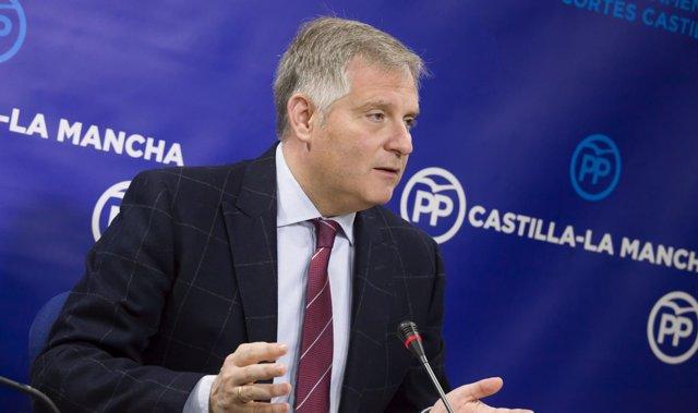 El portavoz del PP en las Cortes de Castilla-La Mancha, Francisco Cañizares