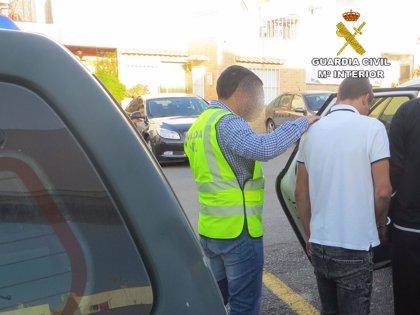 Detenido uno de los dos presuntos autores de un robo y una agresión en un edificio municipal en Níjar (Almería)