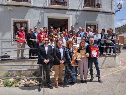 Javier Ureña ha entregado los premios de Diseño de la Alpargata en Cervera del Río Alhama