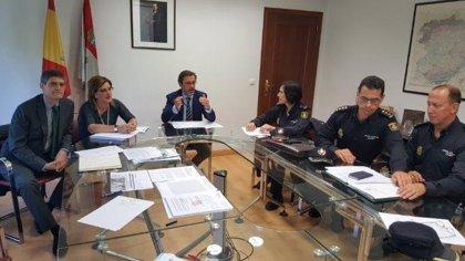Junta y Policía Nacional crean un protocolo de actuación frente a viviendas turísticas clandestinas