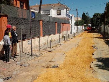 Iniciada la renovación del abastecimiento y la reurbanización de la calle Terral en Sevilla