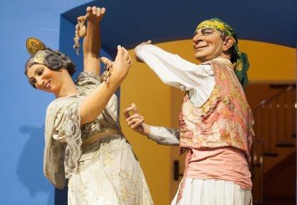 Las Fallas hablan chino: nuevas visitas guiadas en el Museo Fallero de València
