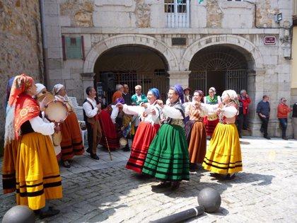 Los barrios laredanos del Espíritu Santo y Tinca celebran las Fiestas de Las Pascuas