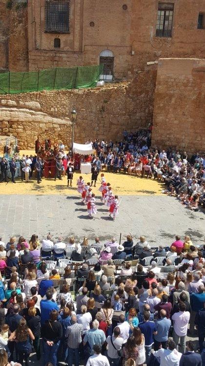 Cetina celebra un dance infantil mientras espera la Contradanza de esta noche