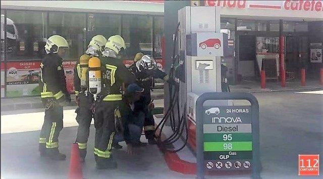 Escape de gas licuado en una gasolinera de Pesués (Val de San Vicente)