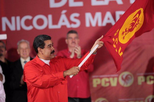 Nicolás Maduro en una gala en el cuartel general del CNE