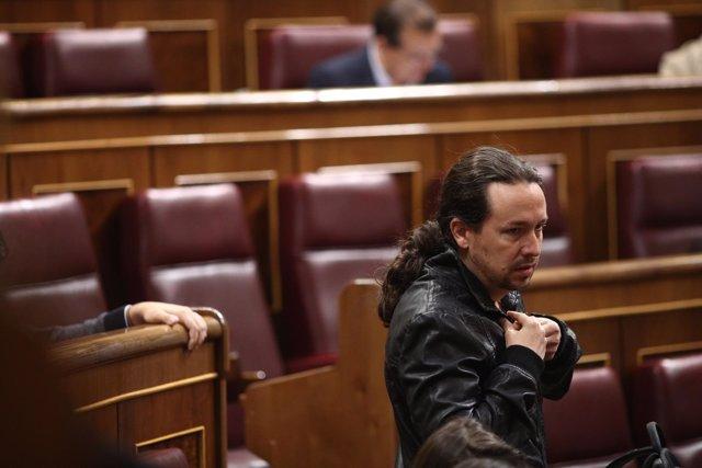 El líder de Podemos, Pablo Iglesias, en el Pleno del Congreso
