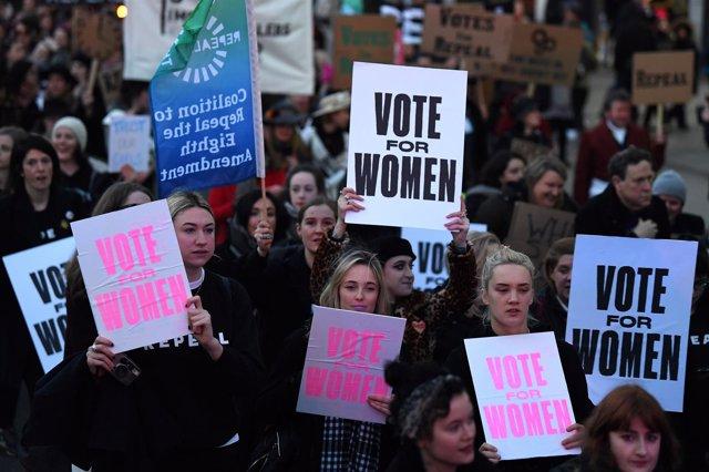 Manifestación por la reforma de la ley del aborto en Irlanda