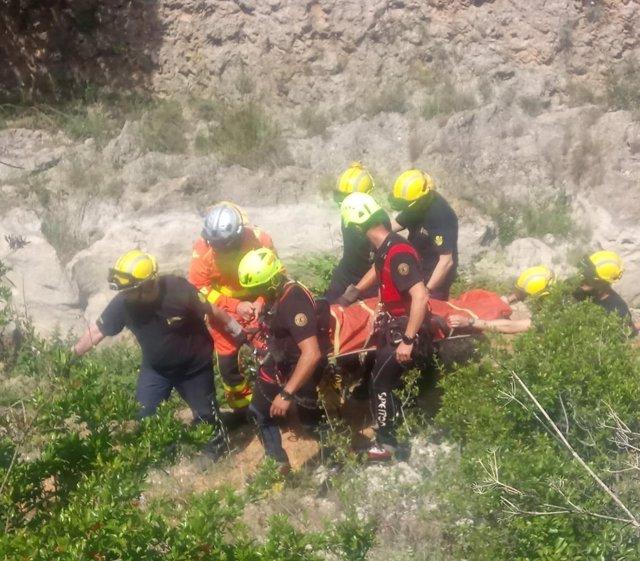 Rescate de una chica que se ha caído haciendo barranquismo en Anna (Valencia)