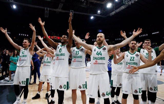 Zalgiris cierra su gran Euroliga con el tercer puesto ante CSKA