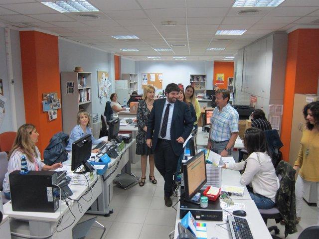 López Miras Visita Las Instalaciones De La Fundación Secretariado Gitano