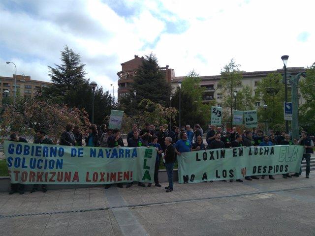 Concentración de trabajadores de Loxin contra despidos.