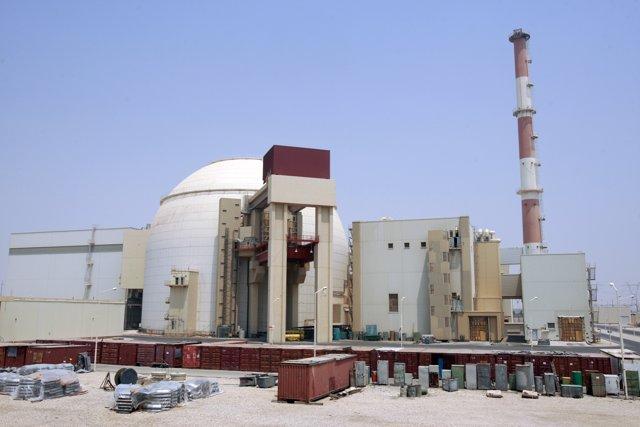 Reactor Nuclear De La Central De Bushehr (Irán)