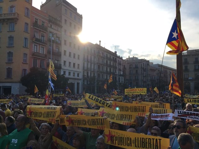 Concentración de la ANC en Barcelona contra la prolongación del 155