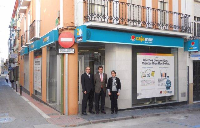 Cajamar y haya real estate ponen a la venta for Oficinas de cajamar