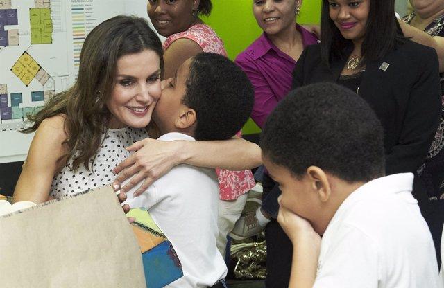 La Reina Letizia despliega su lado más cercano y encantador en Republica Dominicana