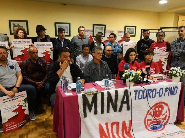 Convocan una manifestación contra la reapertura de la mina de Touro-O Pino