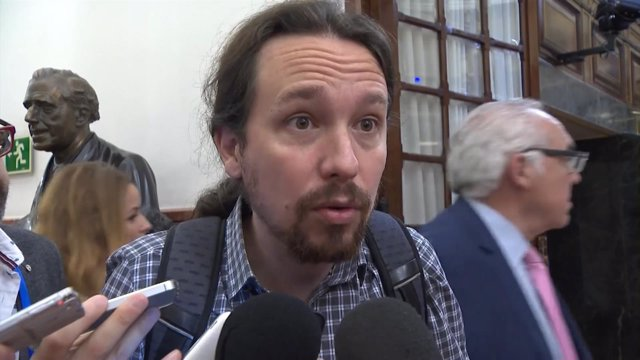 Pablo Iglesias Comparece A La Entrada Del Pleno