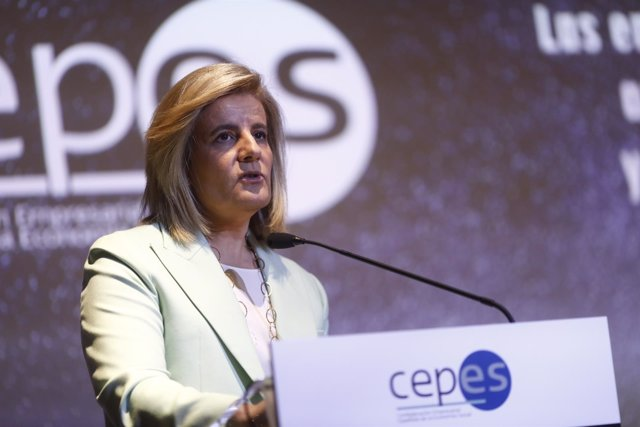 Fátima Báñez clausura la XXVI Asamblea General Anual de Cepes