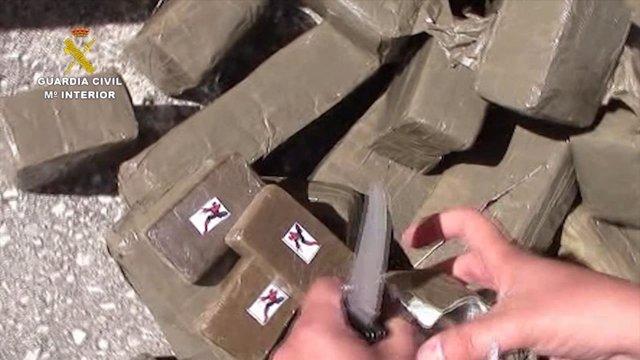 La Guardia Civil detiene a tres miembros de una banda de narcotraficantes