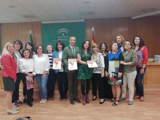 Presentación de protocolos de actuación en atención sociosanitaria