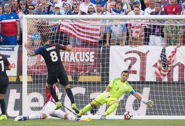 Jun 11, 2016; Philadelphia, PA, USA; United States midfielder Clint Dempsey (8)
