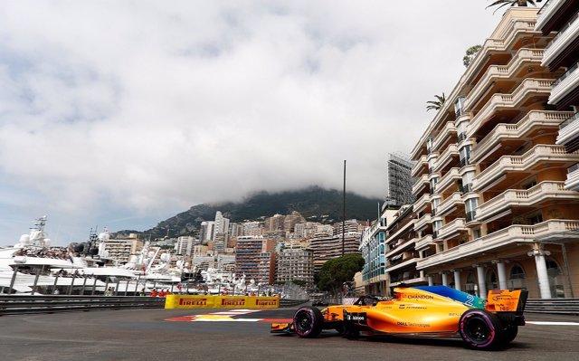 Los Red Bull rompen el cronómetro con Alonso y Sainz cerrando el 'Top 10'