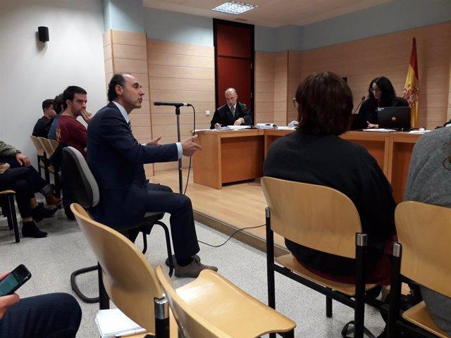 Diego declara en el juicio contra los acusados por el escrache en la UC