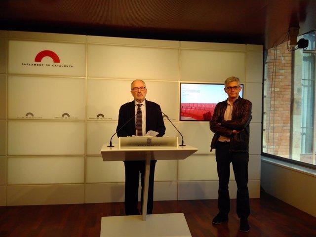 El síndic de Greuges, Rafael Ribó, y el adjunto general al Síndic, Jaume Saura