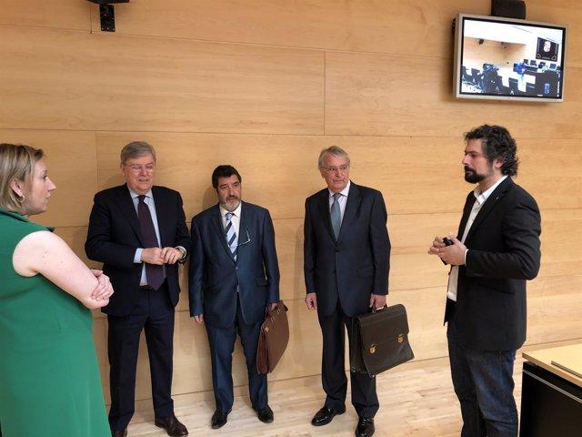 Lucas Hernández charla con los representantes parlamentario, 24-5-18