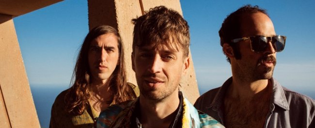 Crystal Fighters montan un fiestón en el desierto de Mojave en su nuevo videoclip: Boomin' in your Jeep (WARNER MUSIC)