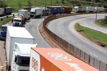 Los camioneros de Brasil suspenden la huelga nacional durante 15 días