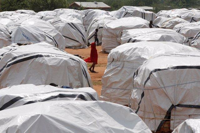 Una niña etíope en un campo de refugiados en la frontera de Kenia