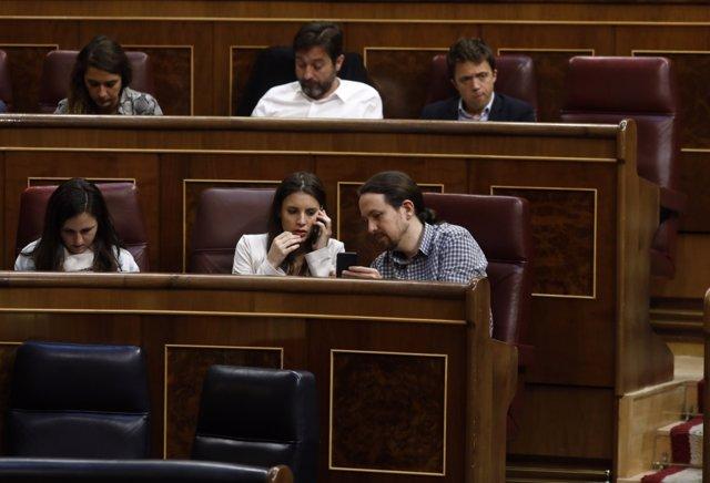 Irene Montero y Pablo Iglesias en el pleno del Congreso sobre los Presupuestos
