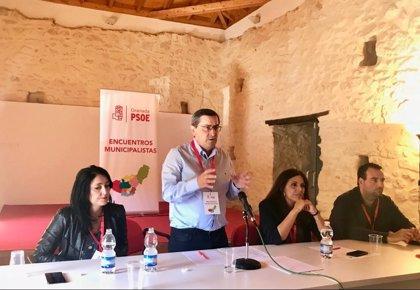 El secretario general del PSOE de Granada, partidario de la moción de censura contra Rajoy