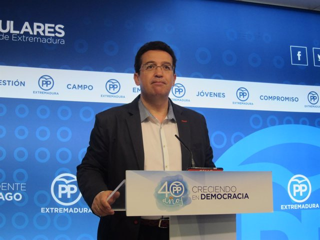 Secretario general del PP de Extremadura, Fernando Manzano
