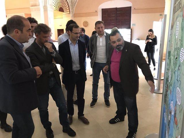 Fiscal en la exposición sobre la importancia del estuario del Guadalquivir