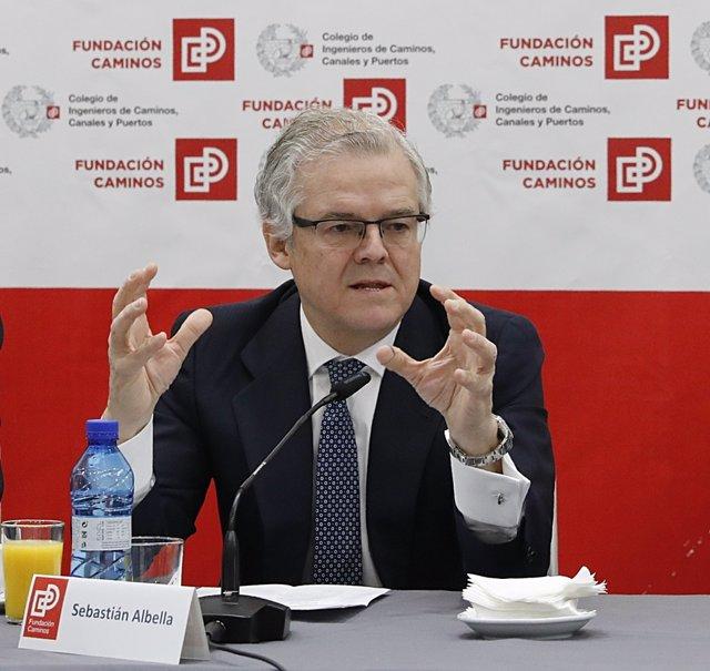 El presidente de CNMV, Sebastián Albella, participa en un desayuno informativo